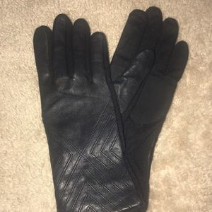 Beautiful Genuine Leather Gloves